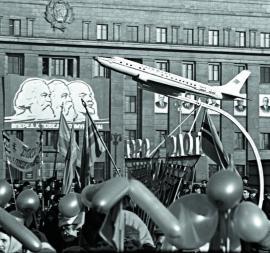 Демонстрация в Иркутске в честь 47-й годовщины Великой Октябрьской Социалистической революции