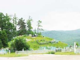 По рассказам местных жителей, здесь покоится Чингисхан.
