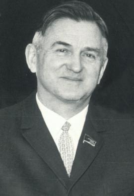 Олег Константинович Антонов — советский авиаконструктор, доктор технических наук (1960), профессор (1978).