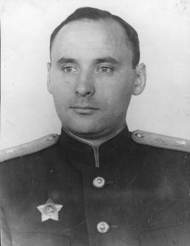 В.Г. Ермолаев - генерал-майор, инженер авиационной службы, авиаконструктор.