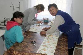 Работницы швейного цеха бильчирского соцучреждения гордятся тем, что их продукция уже пользуется спросом у селян