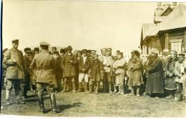 Чехословаки в иркутской деревне.