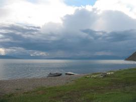 Озеро Хубсугул летним вечером.