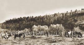 Для царствующей особы в пригороде Иркутска были проведены смотры войск местного гарнизона. Фото П.А. Милевского, 1891. Собрание НБ ИГУ