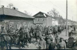 Чехословацкие легионеры на марше. Фото 1918 года