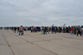 В поселке Средний в день авиации всегда проходит праздник