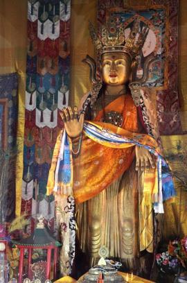 Сандаловая скульптура Будды