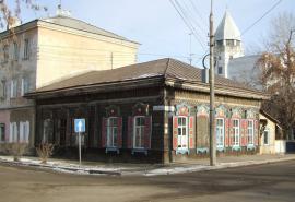 Иркутск. Здание типографии и редакции газеты «Восточное обозрение». Современное фото