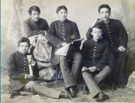 Иркутские гимназисты. Фото около 1890. В центре И. С. Фатеев