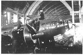 Сборка самолетов Ил-4 на Иркутском авиационном заводе