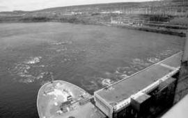 Усть-Илимская ГЭС -- внушительное зрелище.