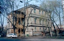 Реконструкция дома в 2003-2004 гг. (Источник: сайт Иркут-Инвест).