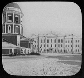 Вид на Преображенскую церковь и Сиропитательный дом. 1885-1886. Фото Джорджа Кеннана