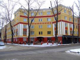 Дом специалистов железнодорожного транспорта, угол ул. 5-й Армии и Я. Гашека. Построен в 1935. Архитектор К.Л. Жилкин. Фото: блоггер Friedens