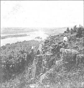 Общий вид долины р. Уды в окрестностях Нижнеудинска. Фото нач. XX в.