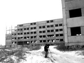 Строительство роддома было заморожено еще в 1994 году.