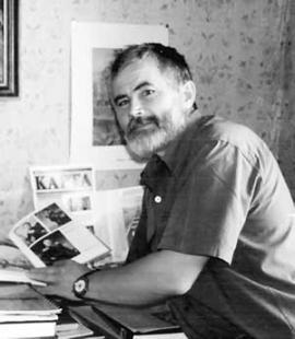 Директор краеведческого музея поселка Чуна Сергей Плющенков.