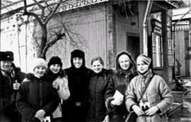 Максим Галкин, как всегда, в центре внимания. Эта фотография осталась в семье Лохэ на память от звезды.
