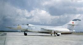 Як-28 - советский многоцелевой реактивный военный самолёт.