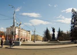 Памятник В.И. Ленину на улице К. Маркса в Иркутске