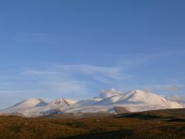 Табын-Богдо-Ола (монг. Таван Богд уул — «пять божественных гор») — горный массив на юго-востоке Алтая