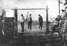 Казнь большевиков в Нижнеудинске. Фото 1918 года