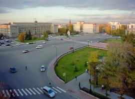 Вид на северную оконечность сквера Кирова и площадь им. Сперанского (площадь им. Сперанского - пространство от ограды сквера до здания областной администрации)