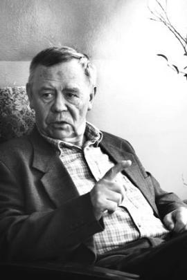 """Валентин Распутин: """"Электричества производим много, а ангарские деревни до сих пор без света"""""""