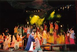 Сцена из спектакля «Иисус Христос – суперзвезда». Вход в Иерусалим