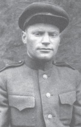 Окончание войны встретил в Кенигсберге в звании майора